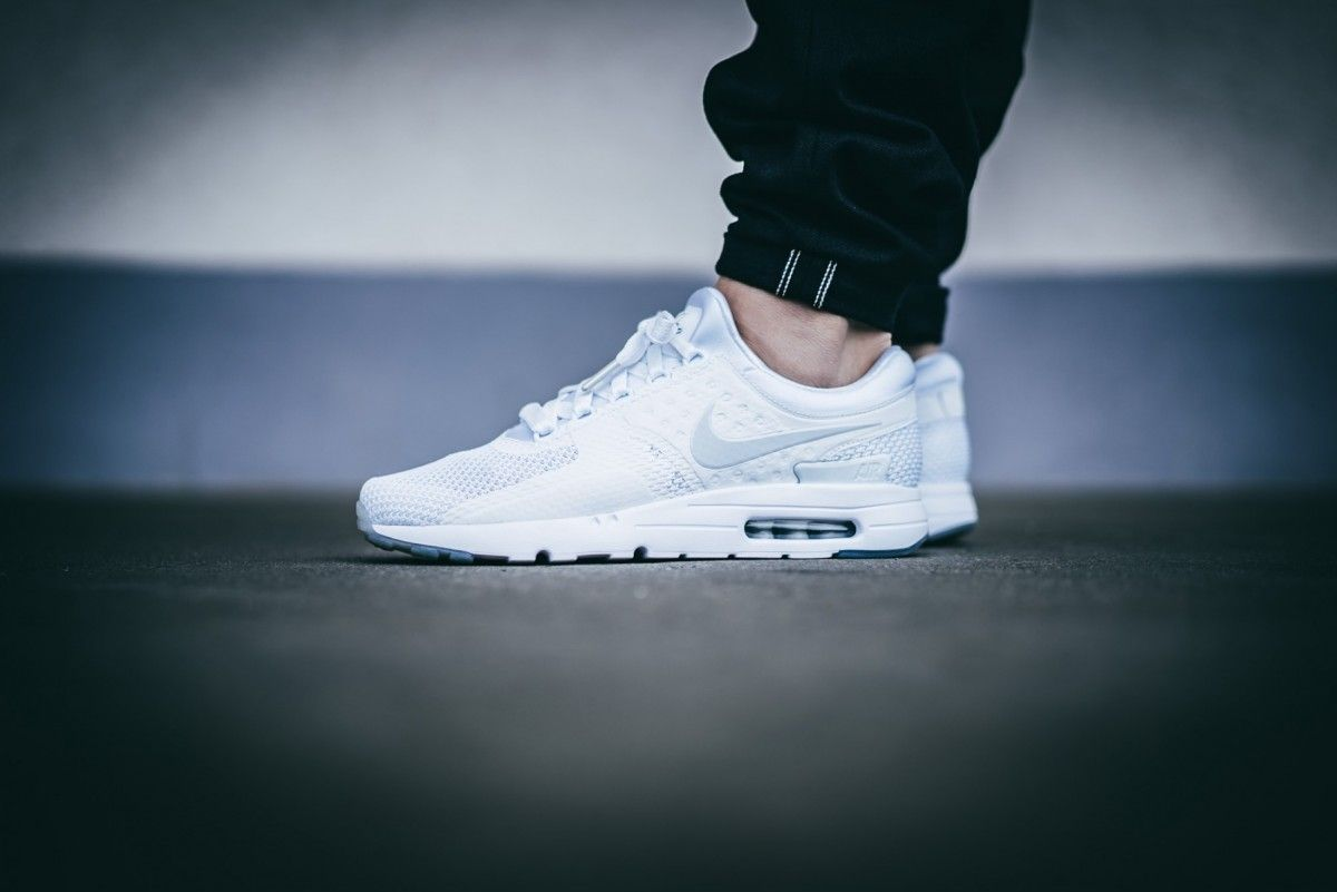 nike-air-max-zero-qs-white-white-789695-102-mood-1